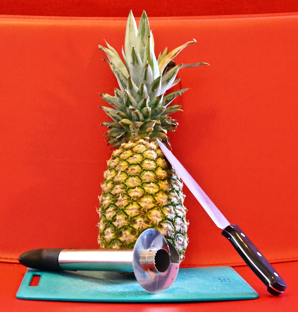 pineapple-carving-supplies.jpg