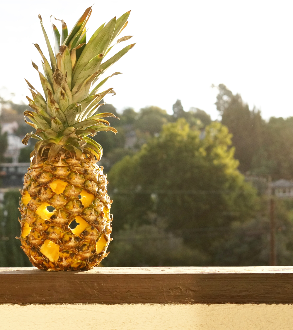 carved-pineapple-lantern.jpg