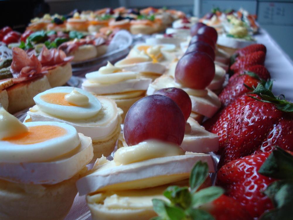 wedding-buffet-catering-budget.jpg