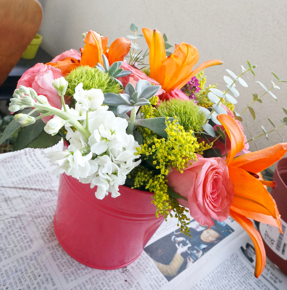 pink-bucket-floral-arrangement.jpg