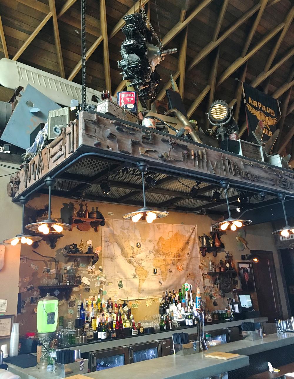 jock-lindseys-bar.jpg