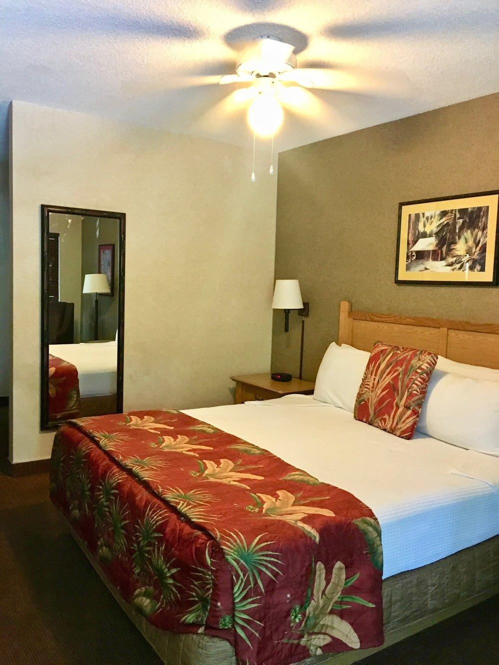 caliente-tropics-hotel-room.jpg