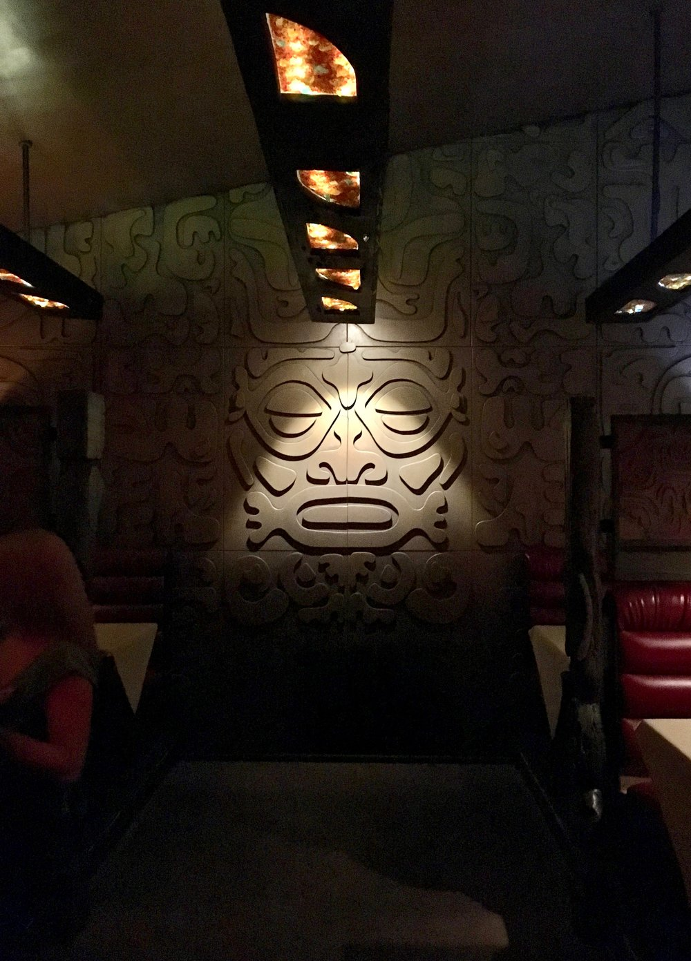 tonga-hut-palm-springs-dining-room.jpg