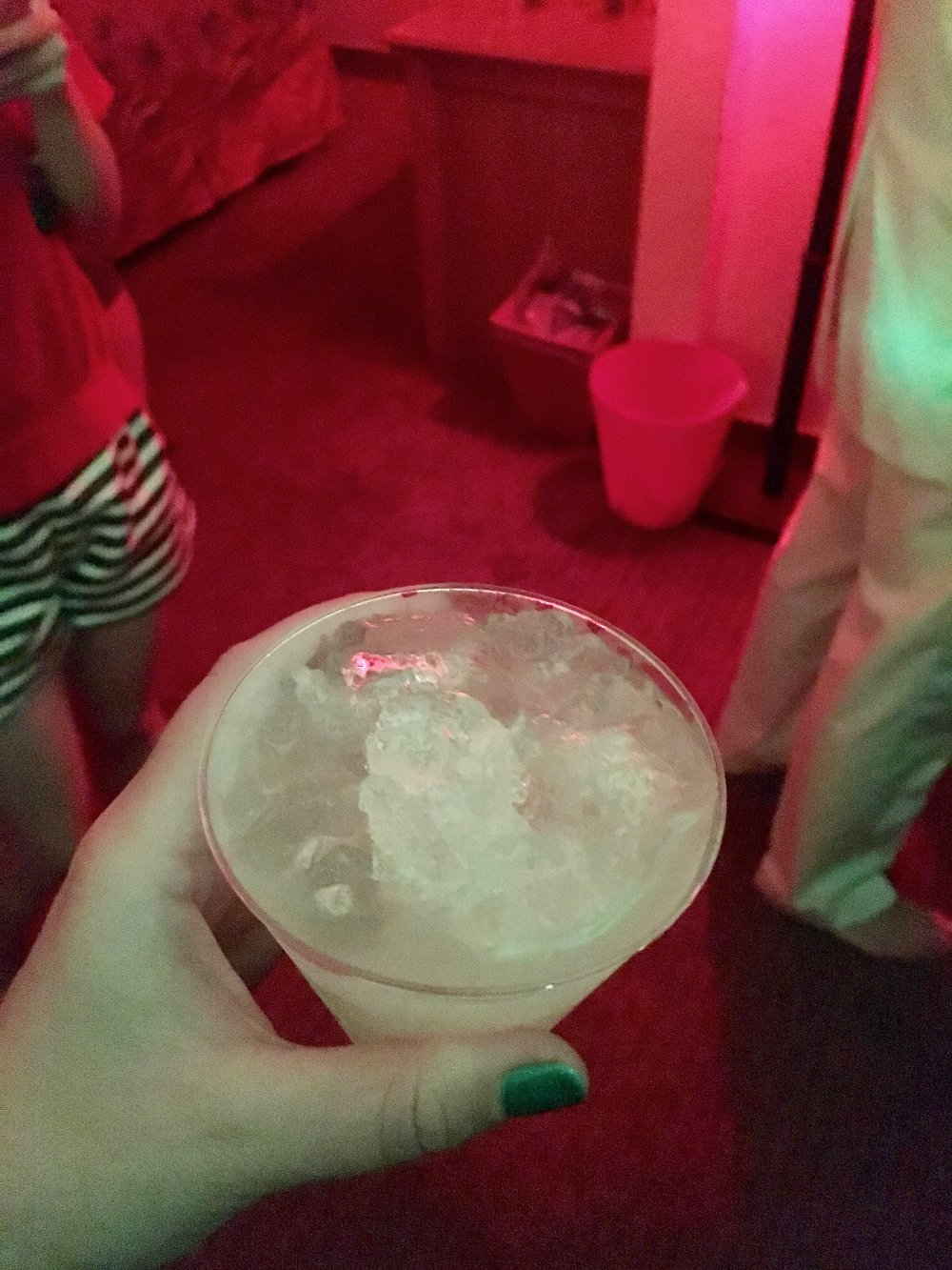 mod-palm-springs-room-party-drink.jpg