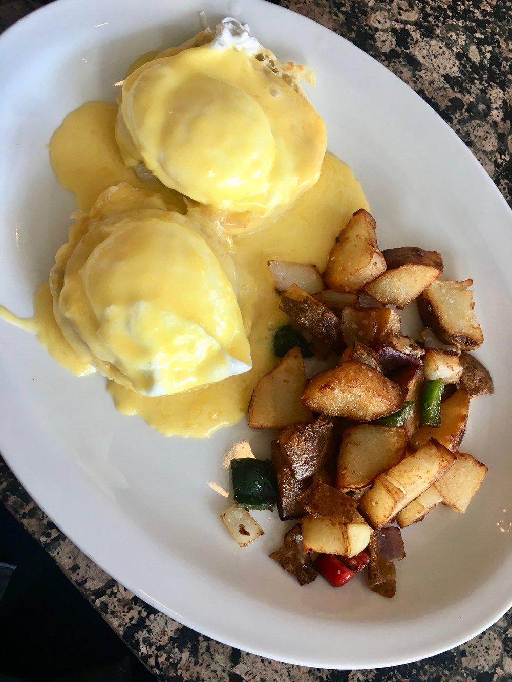 congo-room-eggs-benedict.jpg