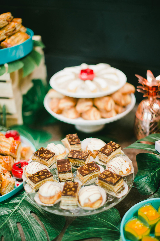 modern-tiki-wedding-desserts.jpg