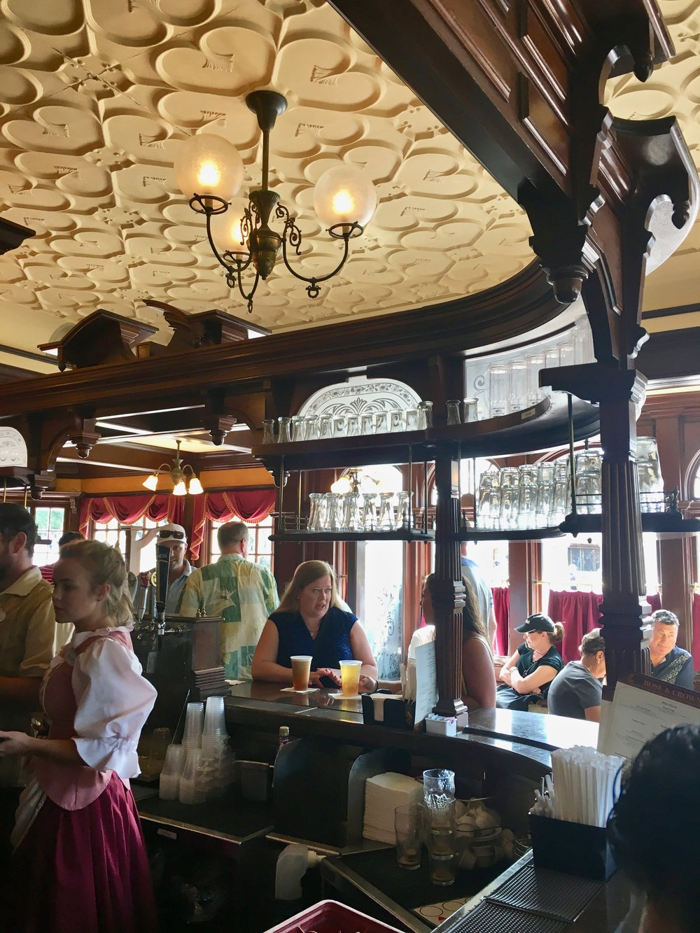 epcot-uk-rose-crown-pub.jpg