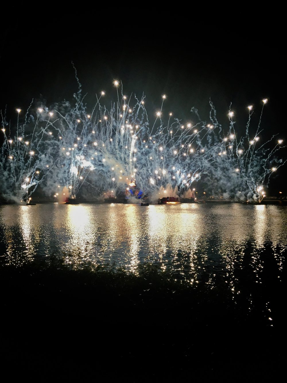 epcot-illuminations.jpg