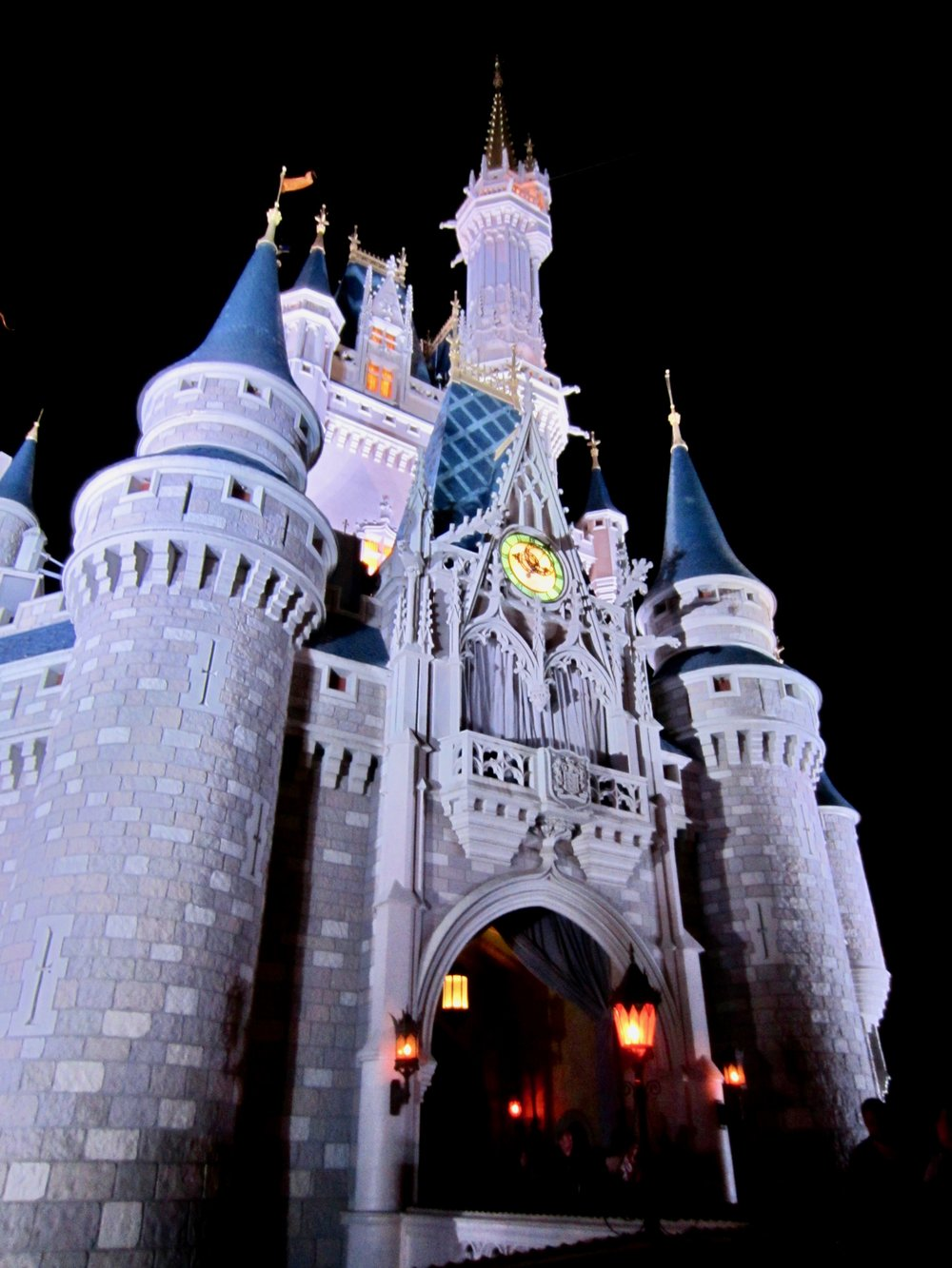 magic-kingdom-cinderellas-castle.jpg