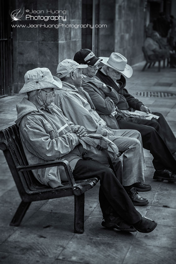 Four-Senior-Gentlemen-Sitting-on-the-Same-Bench-in-Mexico-City-Copyright-Jean-Huang-Photography