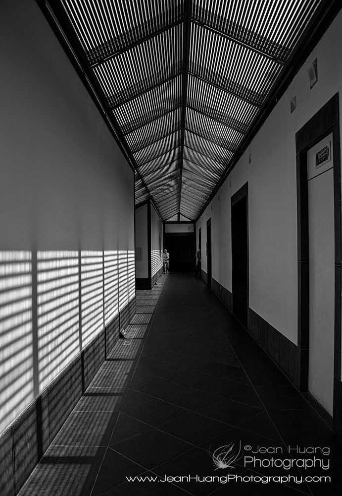 Suzhou-Museum-Hallway-by-Architect-I.M.Pei-Copyright-Jean-Jiaying-Huang