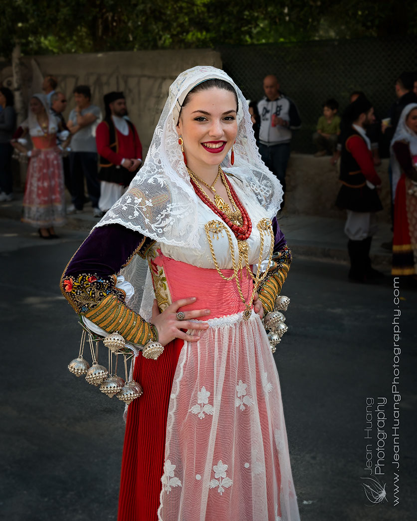 Girl-in-Traditional-Costume-Festa-di-san'Efisio-Cagliari-Sardegna-Italy-Copyright-Jean-Huang-Photography