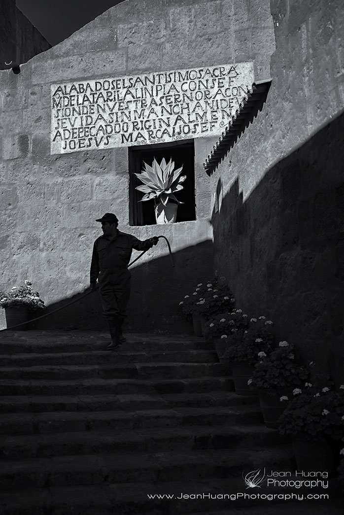 Play-of-Shadow-Santa-Catalina-Monastery-Arequipa-Peru-Copyright-Jean-Huang-Photography-B+W