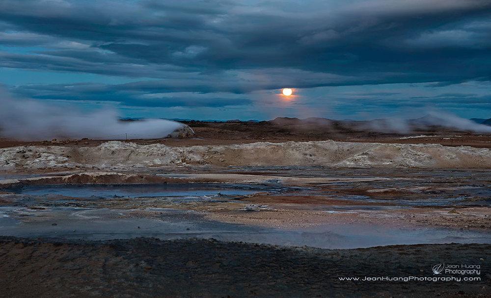 Hverir-Moonrise-Namaskard-Geothermal-Iceland-Copyright-Jean-Huang-Photography