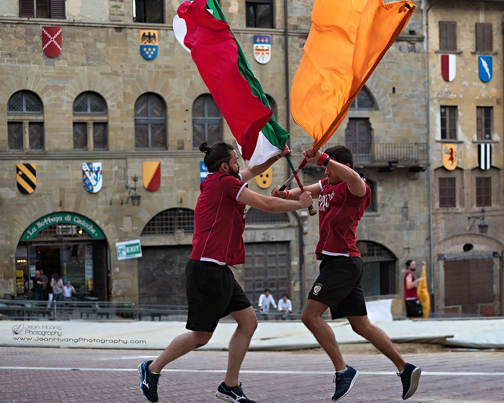Flagwavers-Practice-Fighting-Arezzo-Italy-Copyright-Jean-Huang-Photography