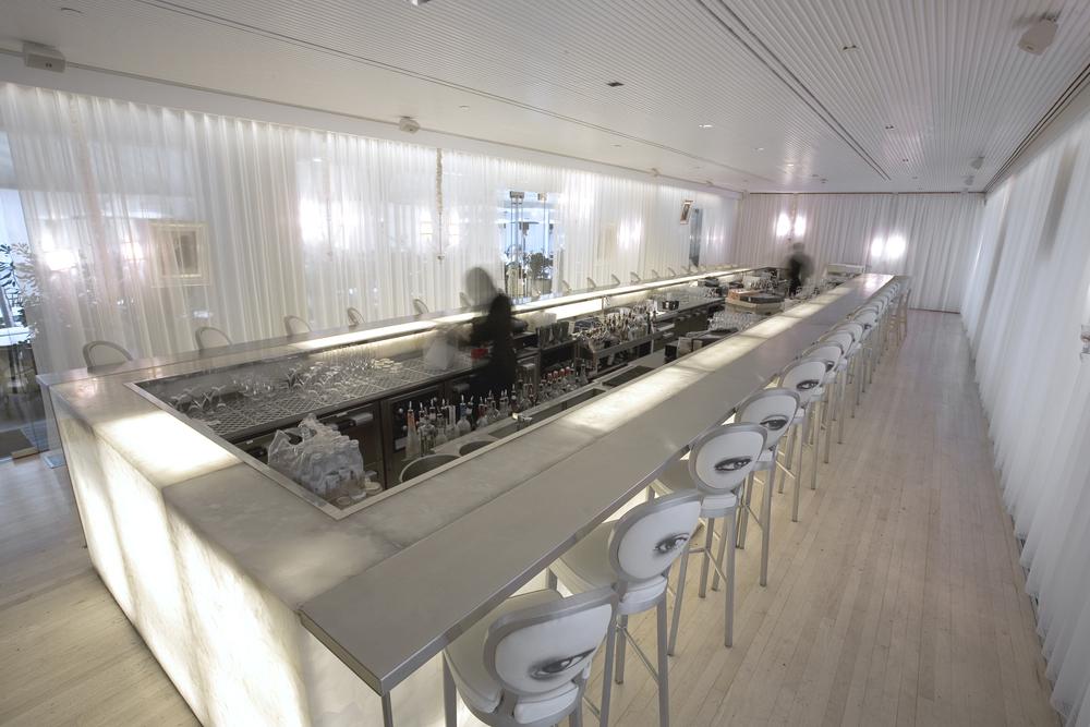 Long Bar jpg038.jpg