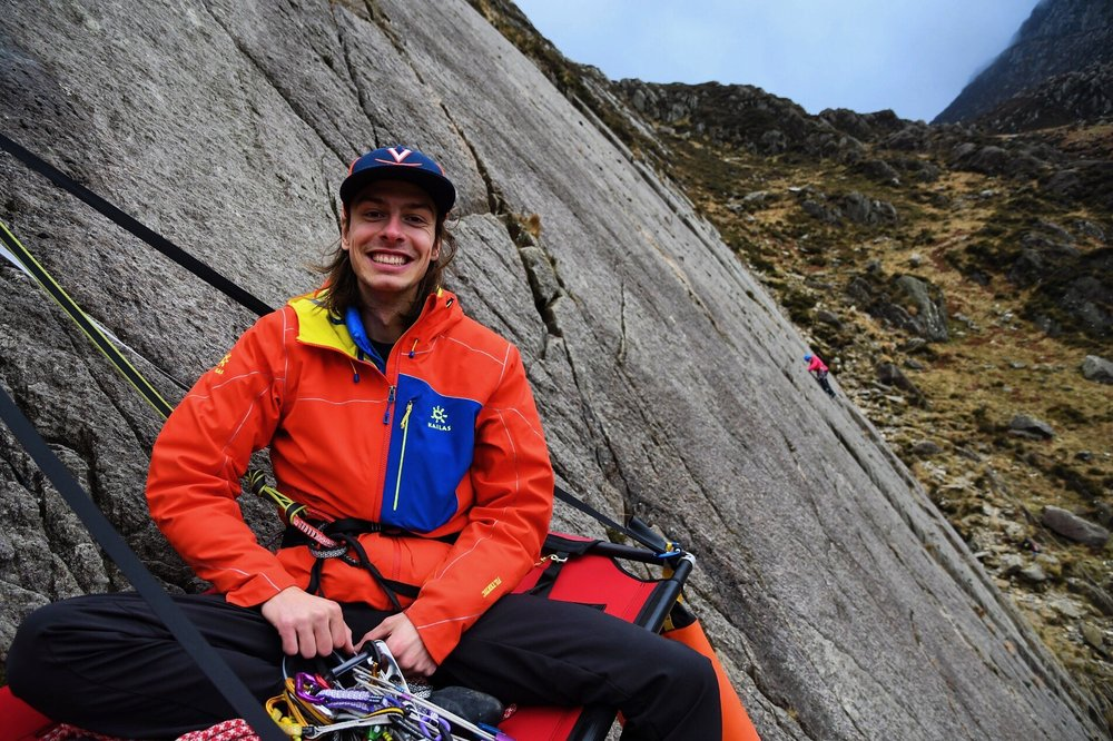 February, I spent countless days in the climbing gym training and pulling on plastic due to rain, however we did manage to get out on a cheeky dry day to put up the portaledge, multi pitch climbing in the Ogwen valley North Wales UK
