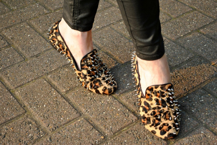 whisty-street-style-blog-leopard-spike-flat-slippers.jpg