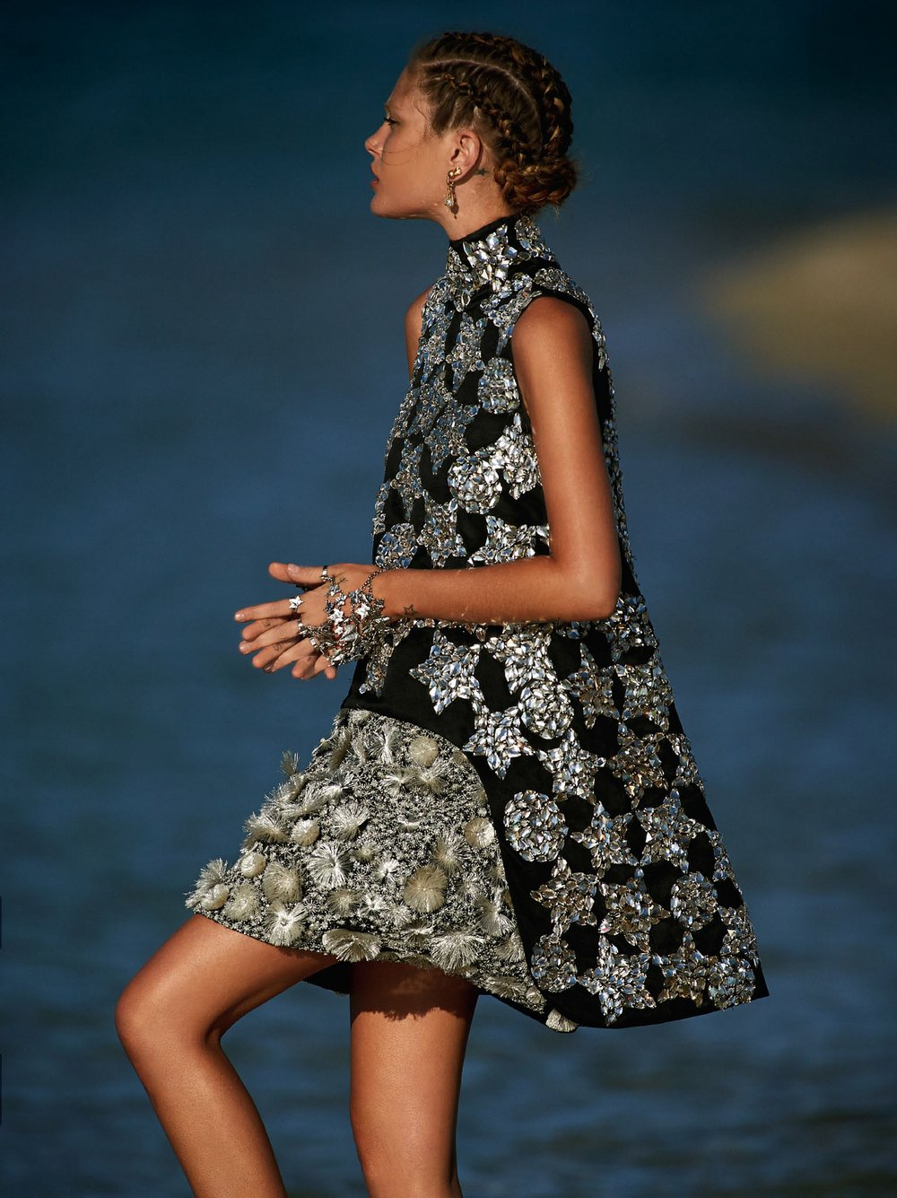 Catherine-McNeil-by-Gilles-Bensimon-for-Vogue-Australia-October-2014-1.jpg