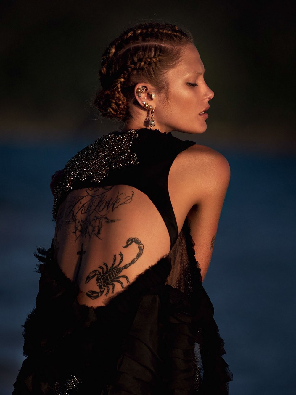Catherine-McNeil-by-Gilles-Bensimon-for-Vogue-Australia-October-2014-6.jpg