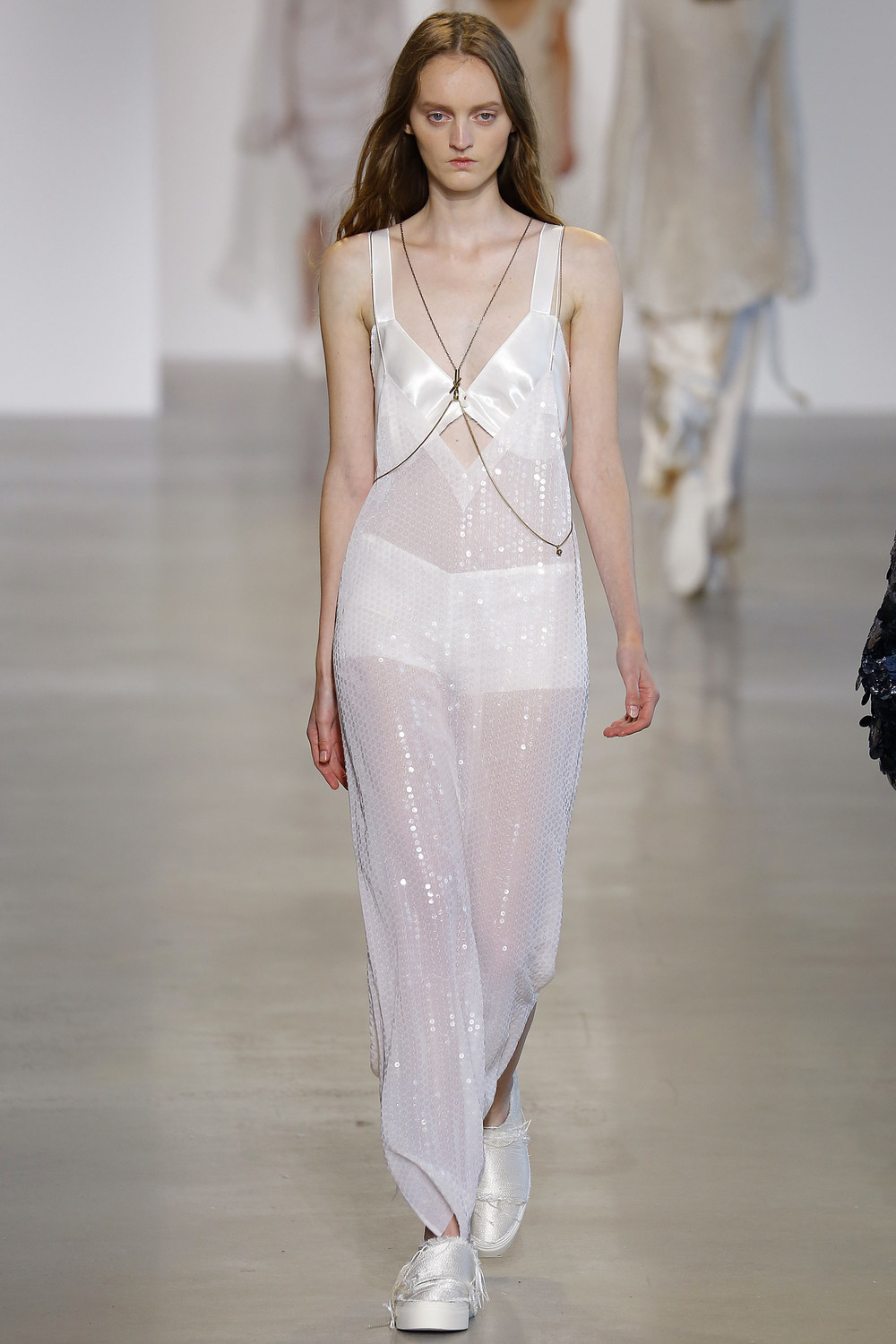 Calvin-Klein-Collection-Spring-2016-Ready-to-wear15.jpg
