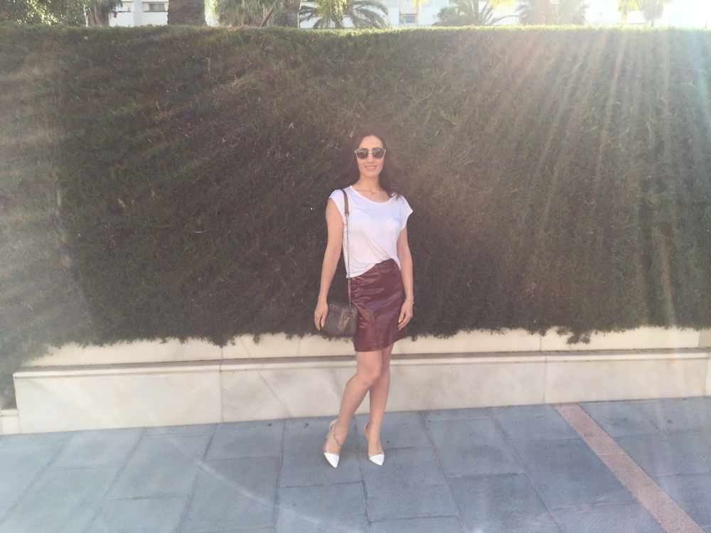 ZARA - Skirt BERSHKA - Top ALIEXPRESS - Clear Heels (  here  ) BERSHKA - Shoulder bag  BLUMARINE  - Sunglasses