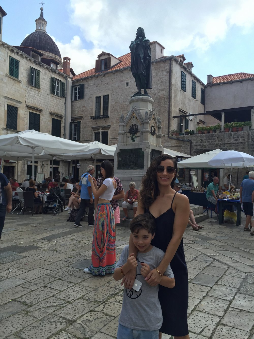 dubrovnik-fashion-blogger-travel-outfitoftheday-croatia-streetstyle