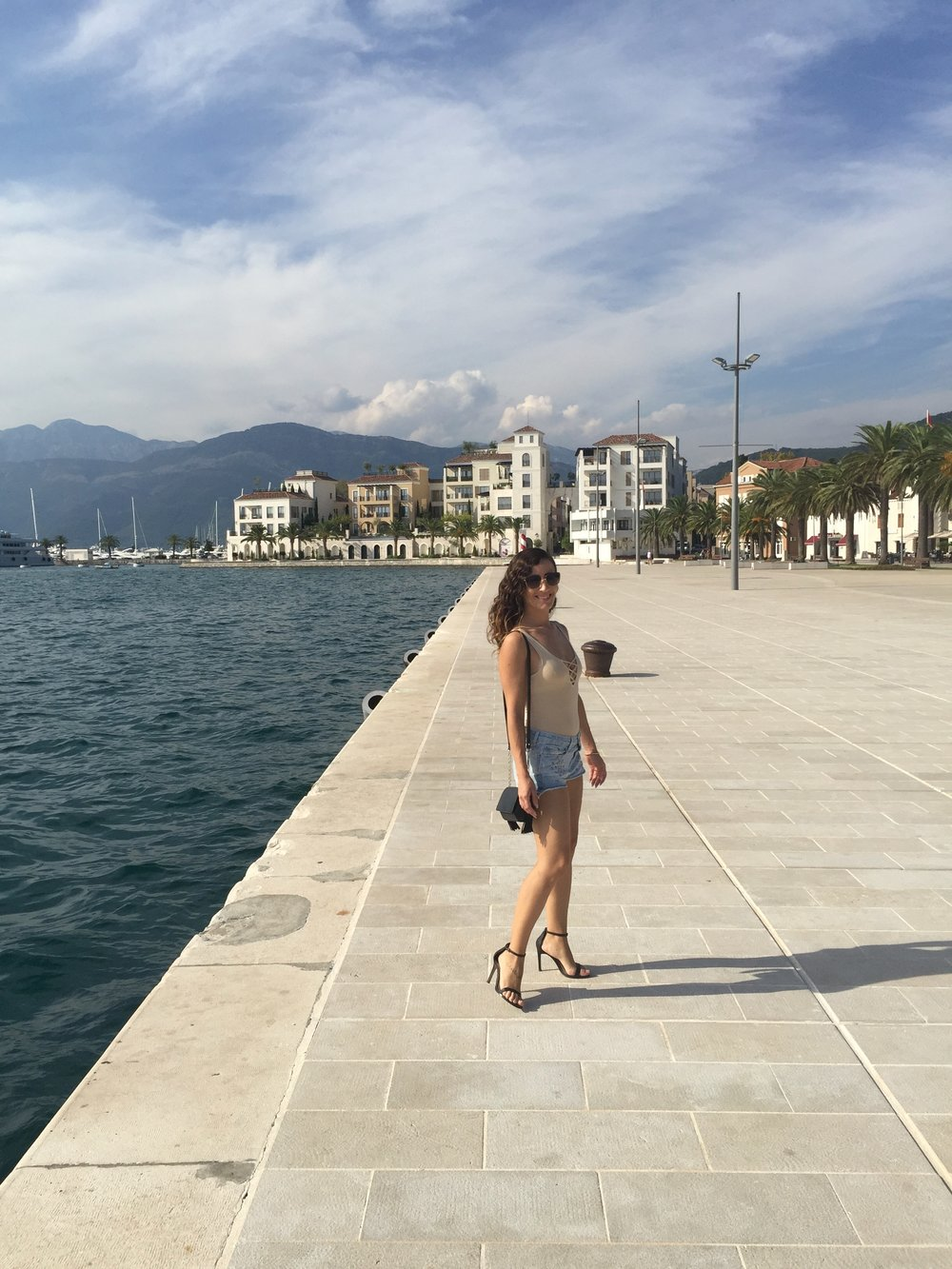 tivat-montenegro-travel-blog-fashion-blogger-outfits