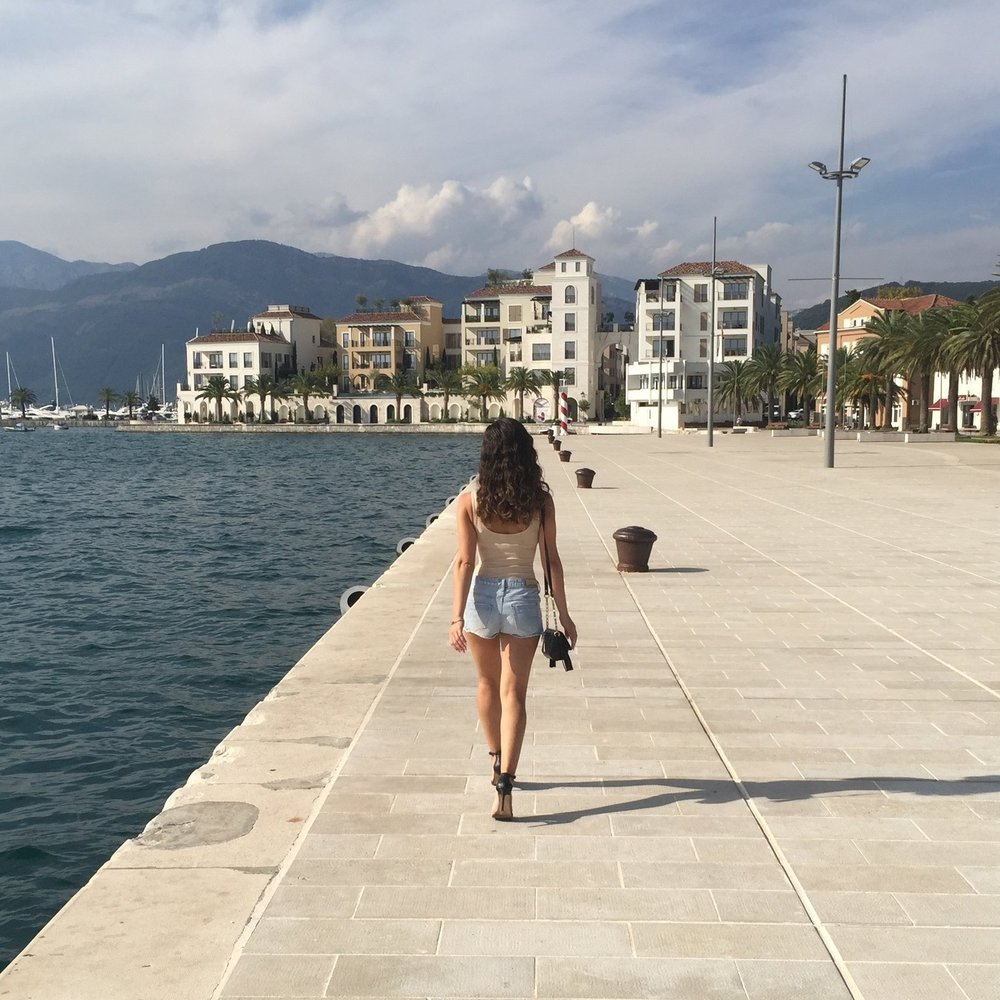 tivat-montenegro-travel-blog-fashion-blogger-outfits.jpeg
