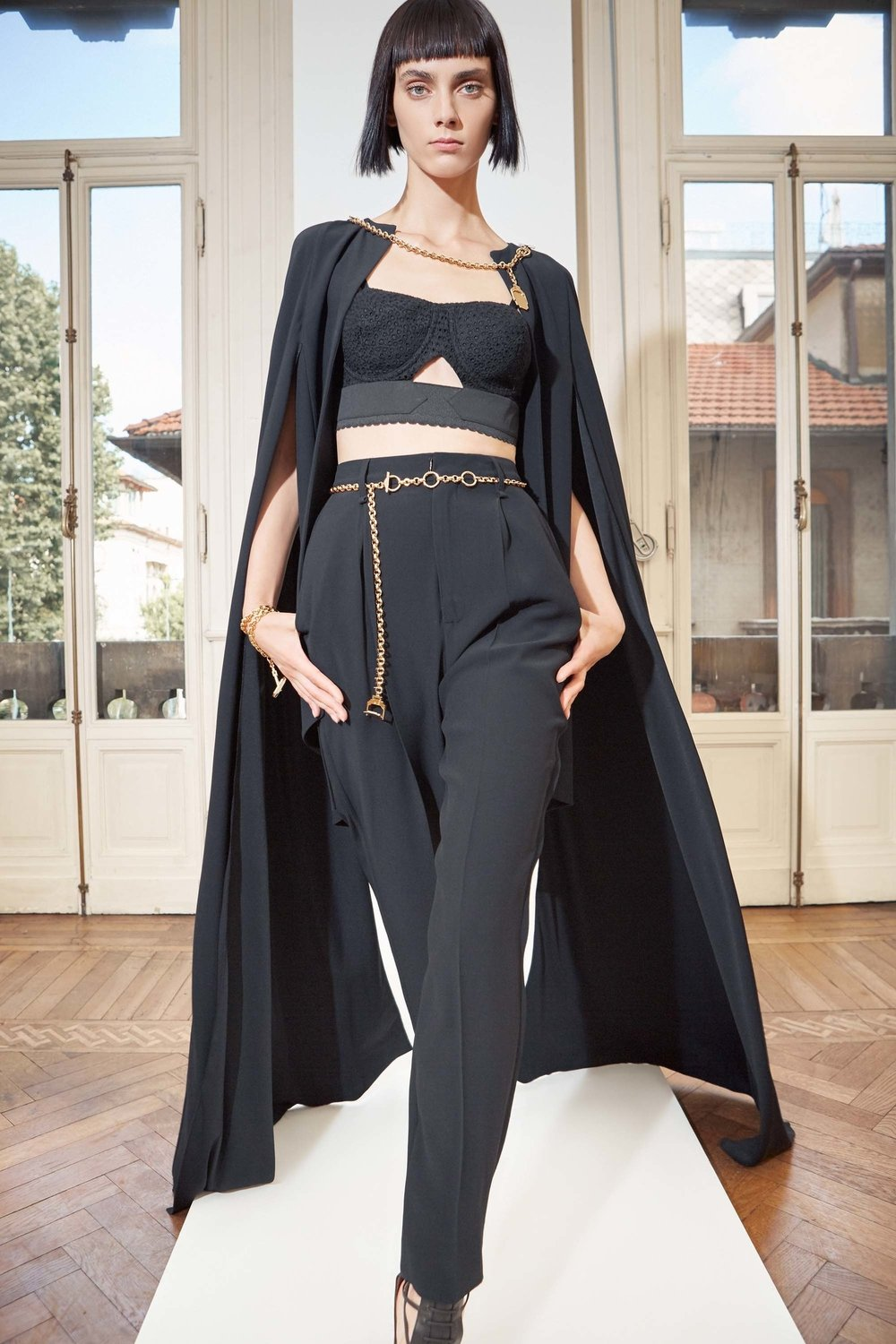 antonio_berardi_resort_17_35_jpg_3429_north_1382x_black.jpg