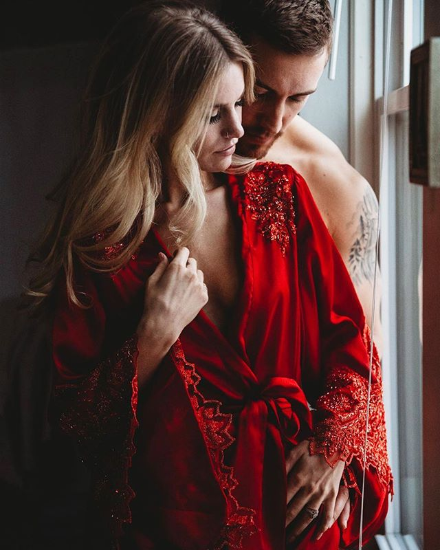 The perfect way to start your week wearing a Madalyn Joy silk charmeuse embellished kimono robe ❤️ #madalynjoydesigns #madalynjoylingerie #madalynjoy #fashion #fashiondesigner #designer #lingerie #lingeriedesigner #bespoke #bespokelingerie #milwaukee #mke #midwest #midwestfashion #ootd  #sexy #madeinamerica #madeintheusa #femmefatale #mkefw #milwaukeefashionweek #fw18