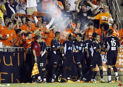 galaxy-railhawks-soccer-2012-5-29-22-40-7.jpg