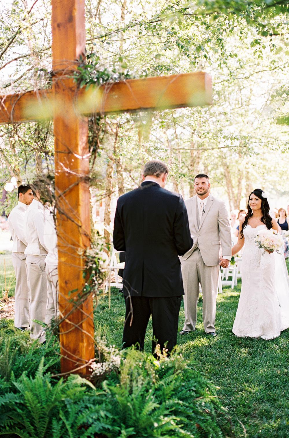 mcguires-millrace-farm-wedding-029.jpg