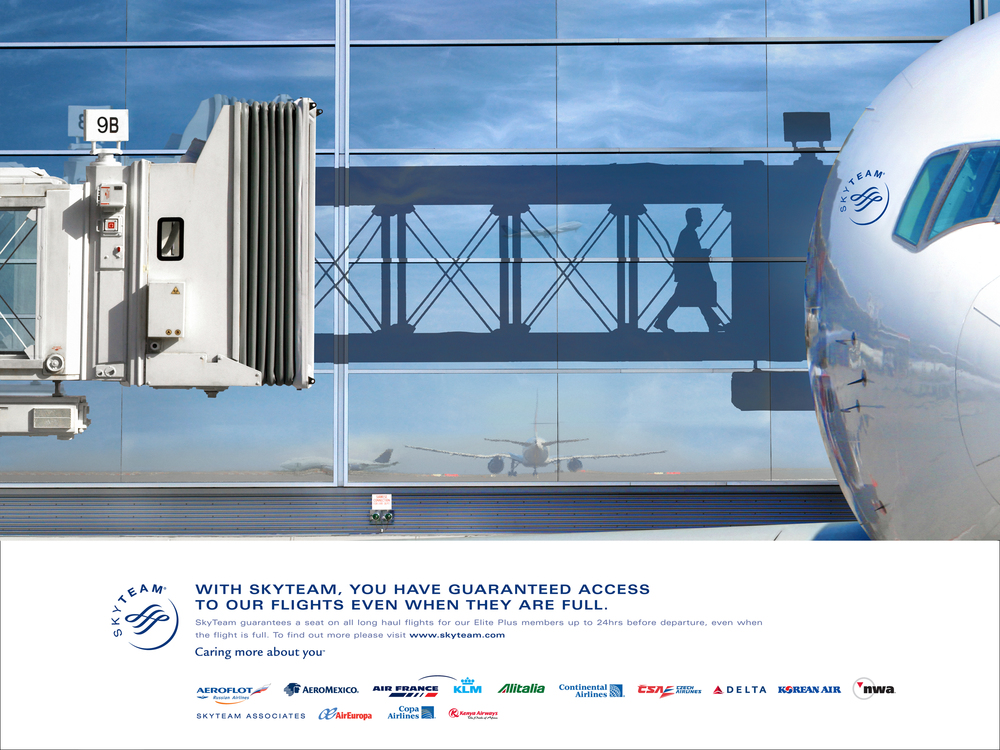 Advertising Skyteam Tarmac.jpg