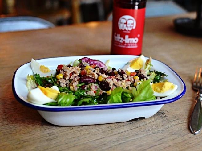 Mexican Tuna Salad - Der Sommer ist da - Behaltet immer einen kühlen Kopf mit unserem frischen Mexican Tuna Salad. Die perfekte Hauptspeise für heiße Tage.