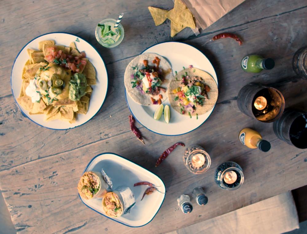 BurritoRico -Wofür wir stehen - Wir bieten nicht nur gesundes, leckeres und schnelles Essen sondern auch eine Atmosphäre zum Wohlfühlen und Abschalten. Dafür stehen wir und das zeichnet uns aus. Lerne uns und unser Konzept hier kennen! Wir freuen uns auf Euch.