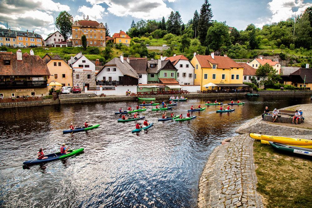 Canoers-Pub-Crawl-Vltava-River-Cesky-Krumlov-Czech-Republic-2.jpg