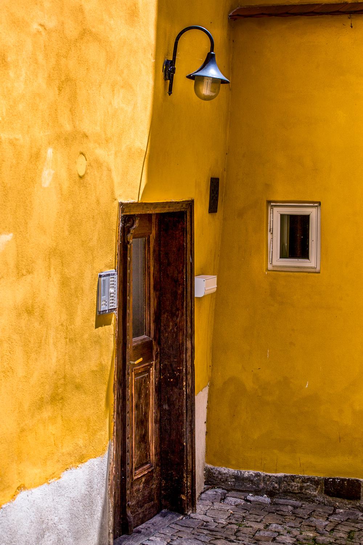 Yellow-Walls-Light-Doorway-Cesky-Krumlov.jpg