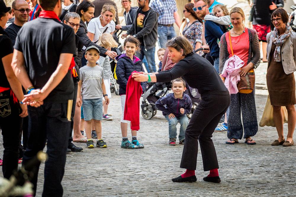 Street-Mimes-Children-Regensburg-Germany.jpg
