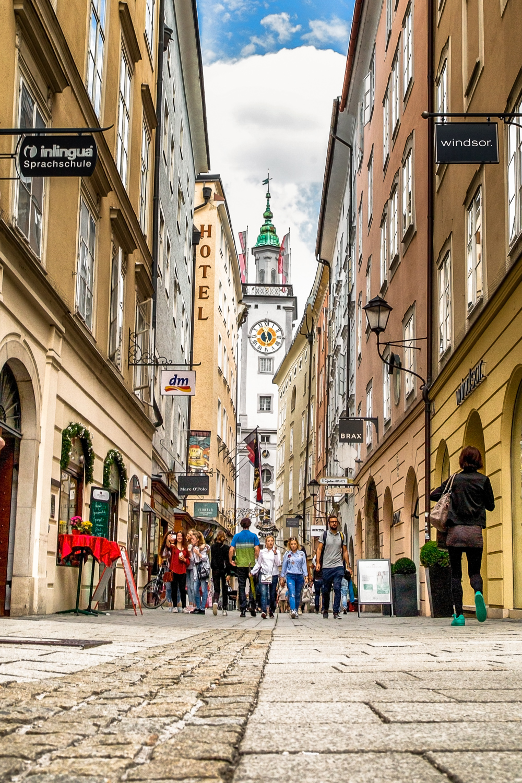 Sigmund-Haffner-Gasse-Old-City-Hall-Salzburg-Austria.jpg