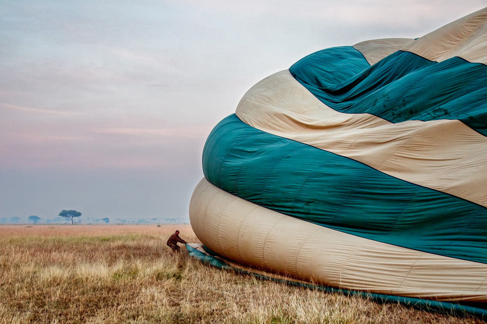 Balloon Preparation Serengeti, Tanzania