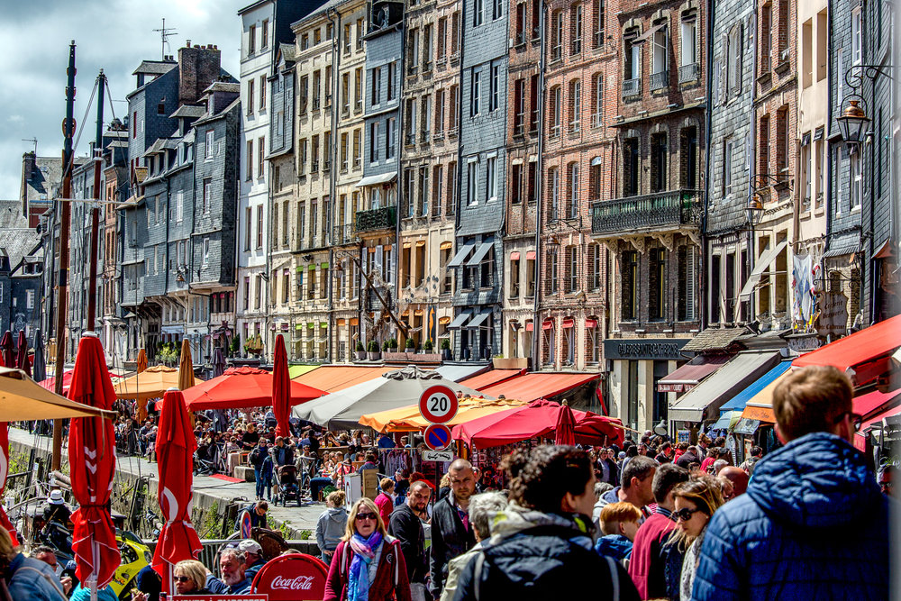 Port-Of-Honfleur-Crowds.jpg