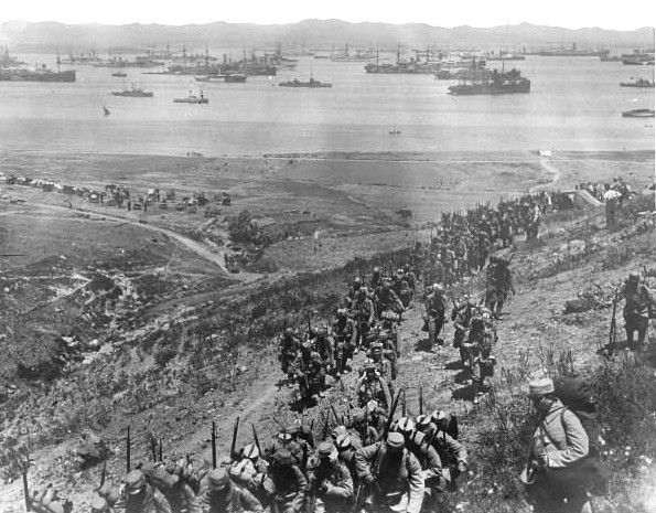 French troops of the Corps expeditionnaire d'Orient landing on Lemnos, 1915, prior to the Gallipoli Campaign.
