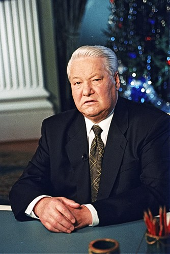 Yeltsin appearing on TV announcing his resignation on 31 December 1999