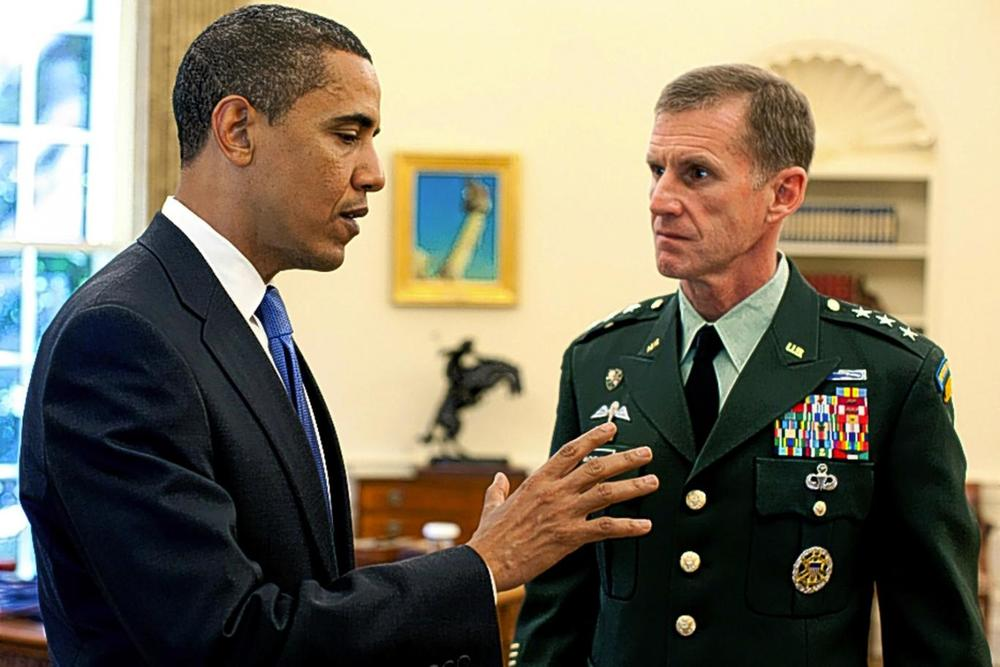 President Barack Obama meets with Lt. Gen. Stanley A. McChrystal (Souza, The White House)