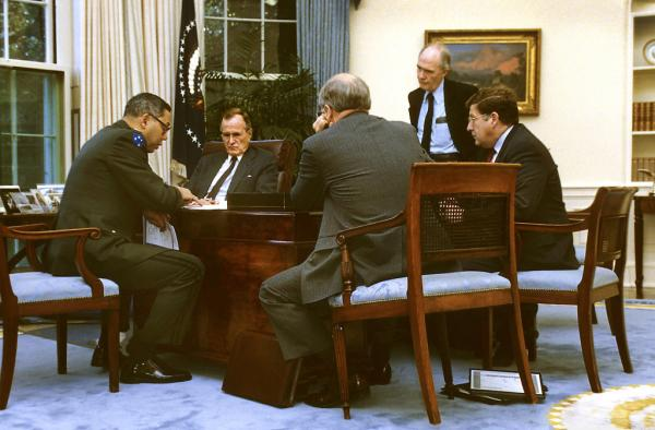 War conference in the Oval Office. (Rich Clarkson, Topeka Capital-Journal)