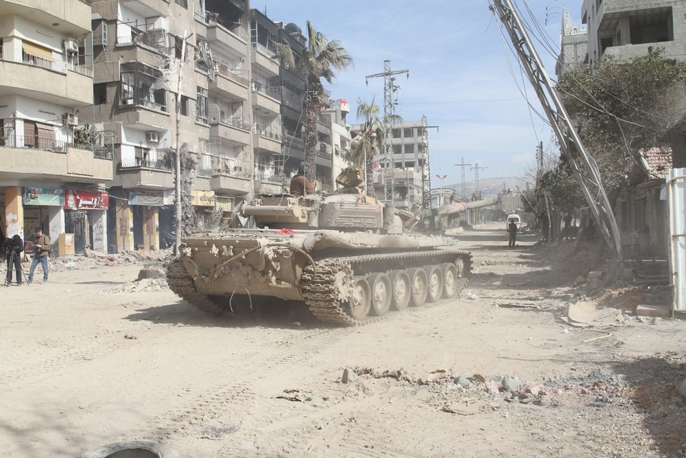 Syrian armored forces in Darayya.