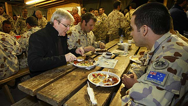 Prime Minister Kevin Rudd dines with Australian troops before staying overnight in Tarin Kowt |News Ltd pool