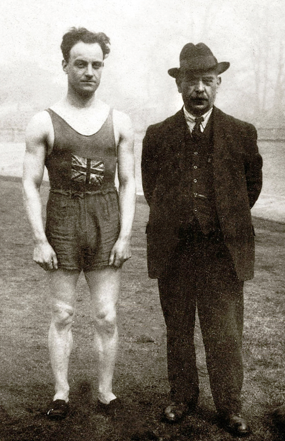 Willie Applegarth and Sam Mussabini at the 1912 Olympics (Public Domain)