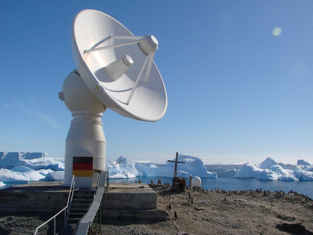 Antenna of the German Antarctic Receiving Station (DLR Earth Observation Station Photo)